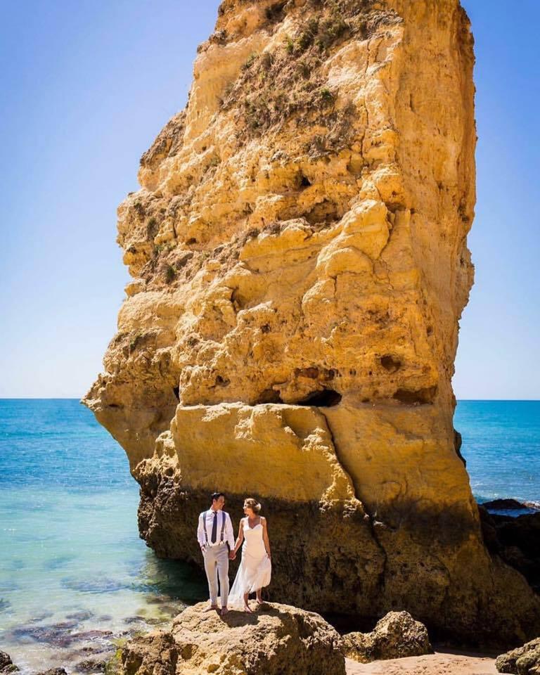Bruid Portugal in bruidsjurk trouwjurk