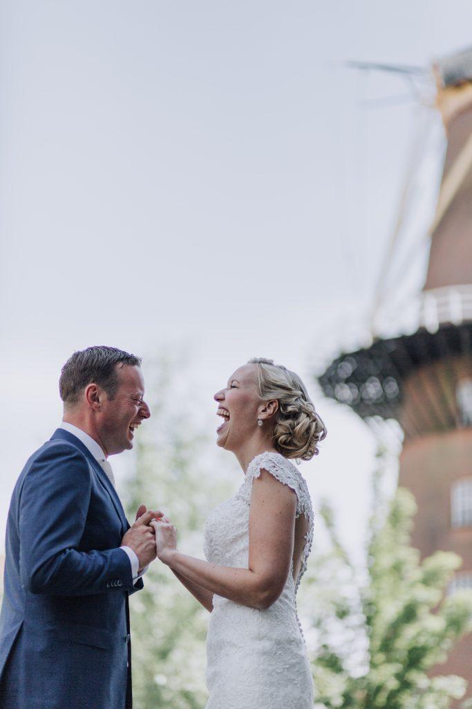 Bruid Mieke in trouwjurk van Stella York